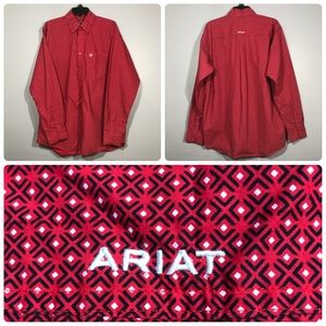 NWOT Ariat Red Geometric Casual Button Down Shirt